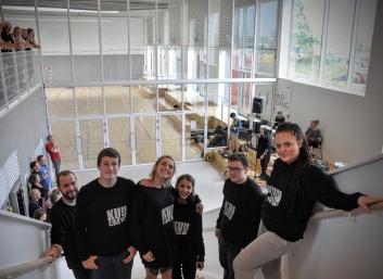 De glade studerende